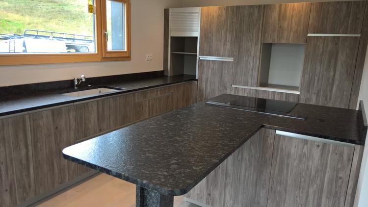 Granit plan de travail cuisine marbre marbres marbrerie granit plan de cuisine granit plan for Granit plan de travail avis