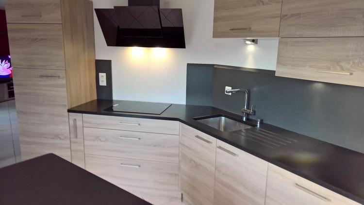 plan de travail quartz blanc finest cuisine plan de travail de cuisine moderne clair en quartz. Black Bedroom Furniture Sets. Home Design Ideas