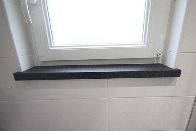 Tablette fen tre granit noir flamm bross pierre for Rebord de fenetre en pierre