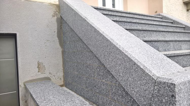 Escalier ext rieur en granit du tarn flamm r alisation for Escalier exterieur granit