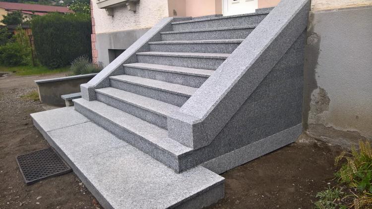 Escalier ext rieur en granit du tarn flamm r alisation for Fabricant escalier exterieur