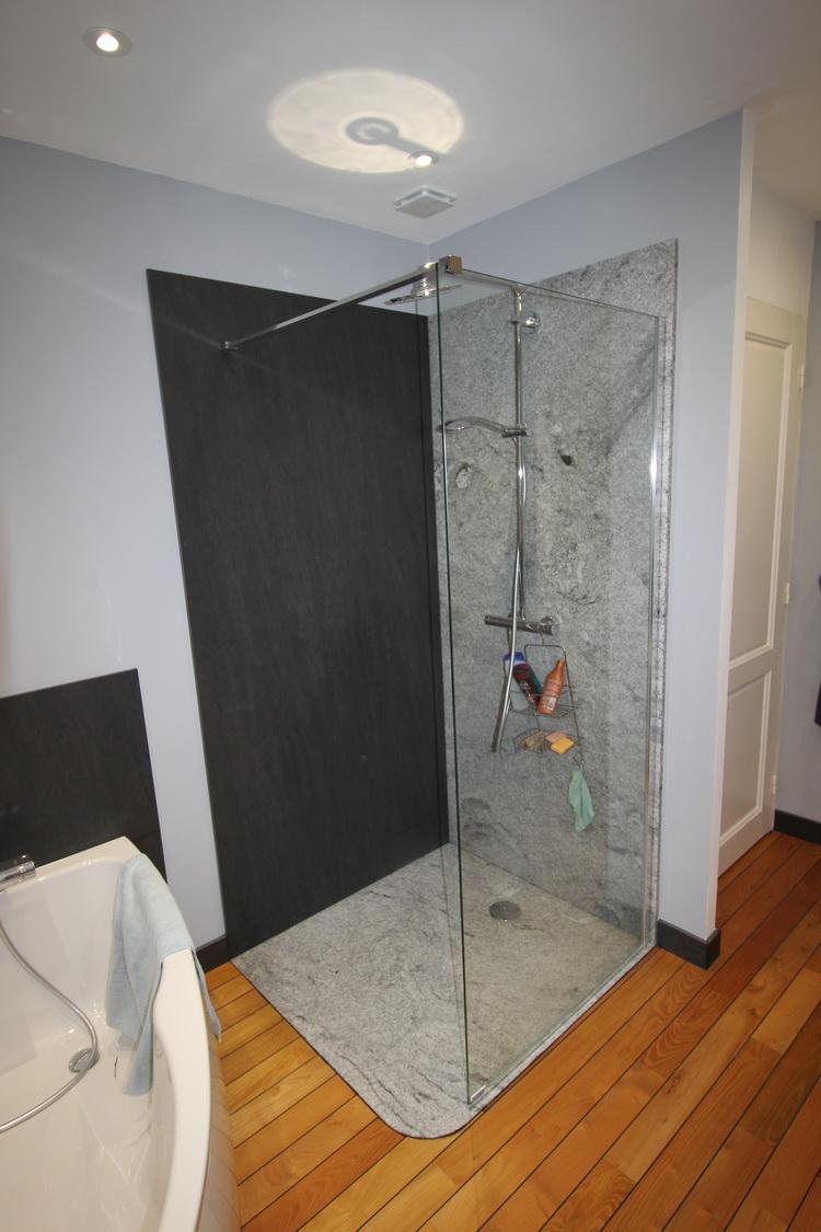 salle de bain granit et c ramique 08 2017 pierre. Black Bedroom Furniture Sets. Home Design Ideas